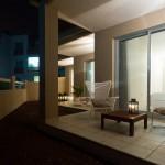 Вид на апартаменты ночью